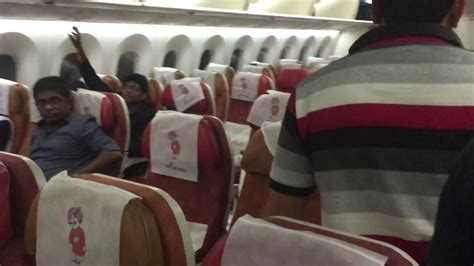 AIR INDIA Boeing 787-8 Dreamliner to Singapore