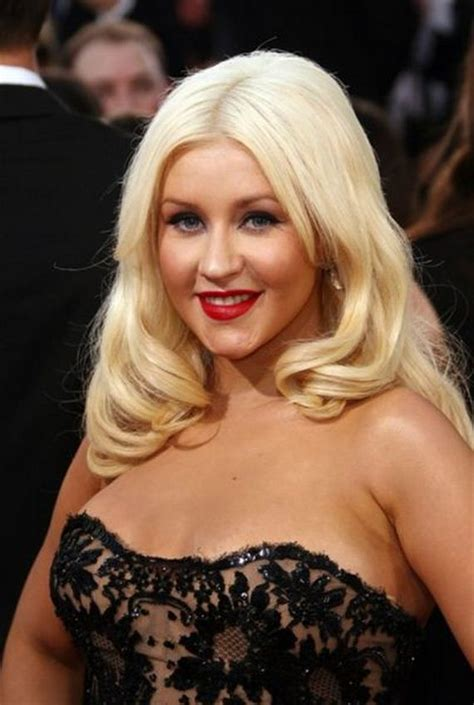 Christina Aguilera Net Worth - Celebrity Sizes