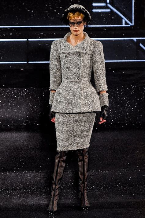 Chanel Fall 2011 Couture Collection - Vogue