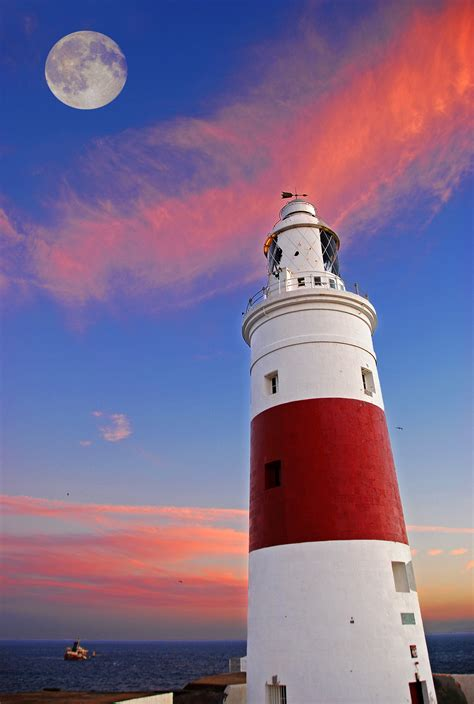 Gibraltar Point Lighthouse - Canada History and Mysteries