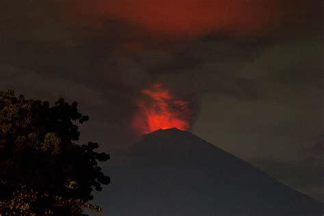 What to expect if Indonesia's volcano erupts in a big way